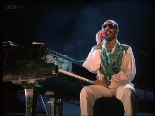 Смотреть видео Stevie Wonder - I Just Called To Say I Love You 1984 (High Quality)