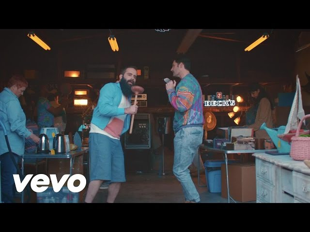 Смотреть видео Capital Cities - I Sold My Bed, But Not My Stereo (Official)