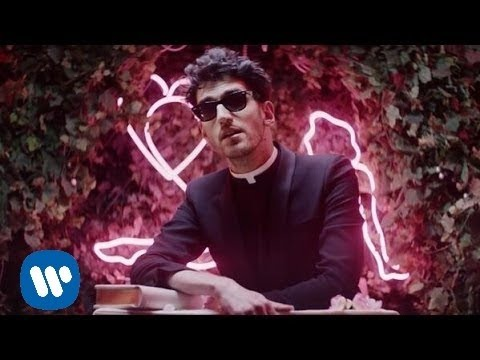 �������� ����� Chromeo - Jealous (I Ain′t With It) [Official Video]