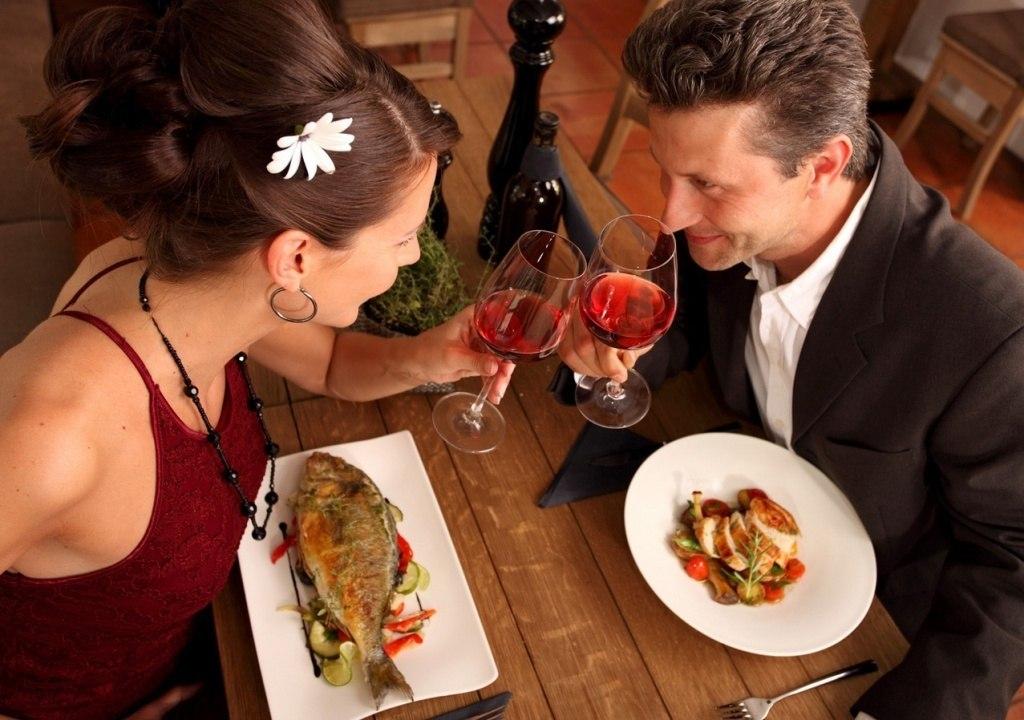 Картинки по запросу мужчина и женщина в ресторане